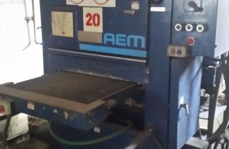 """מלטשת AEM ארה""""ב, רוחב 600 ממ, כולל שואב שבבים"""